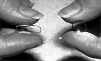 Porównanie soczewek twardych i miękkich